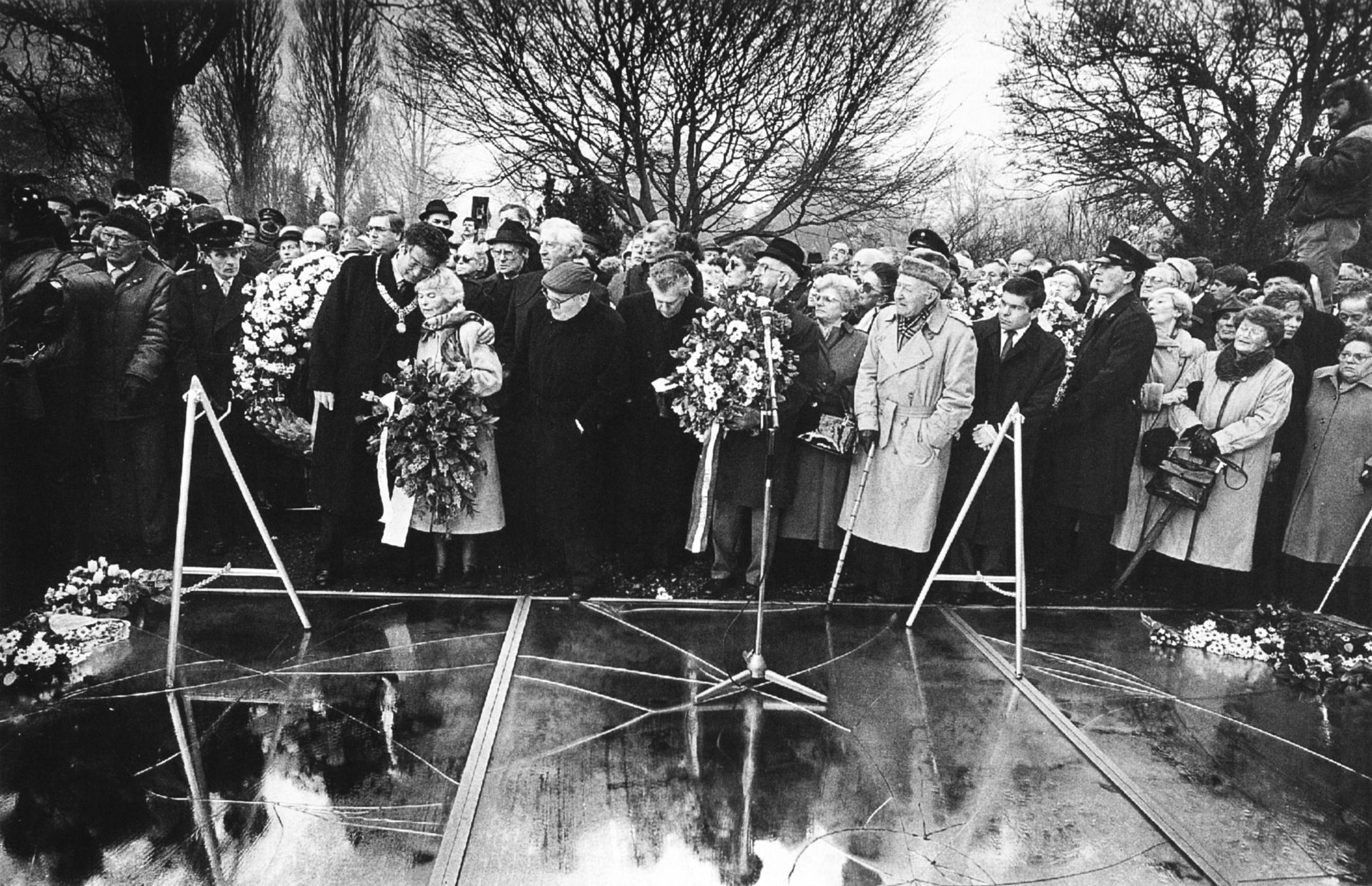 Auschwitz Herdenking 1989. Foto: Werry Crone